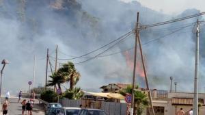 Incendio Agnone Bagni FACEBOOK (1)