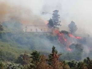 Incendio Agnone Bagni FACEBOOK (3)