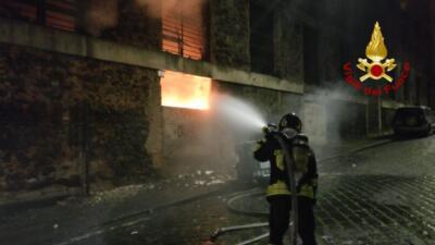 Incendio via Cristoforo Colombo 4