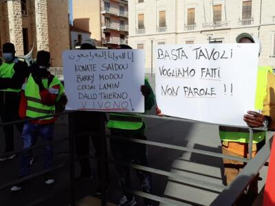 Manifestazione sanatoria 30 aprile '21 (8)