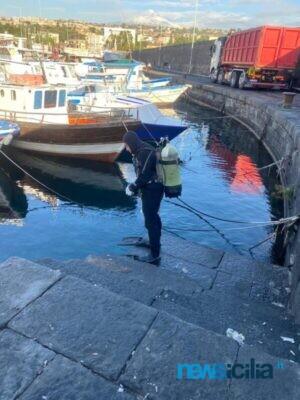 Pulizia porto Ognina 4