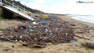 Rifiuti spiaggia San Leone (1)