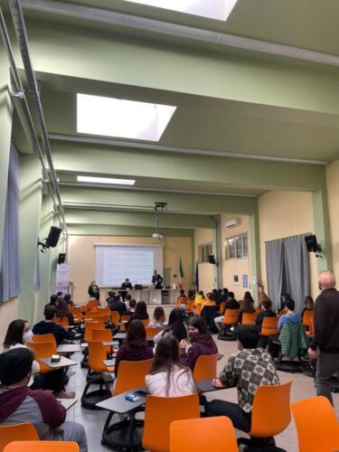 """Il Liceo Classico """"Nicola Spedalieri"""" di Catania incontra l'Arma dei Carabinieri"""